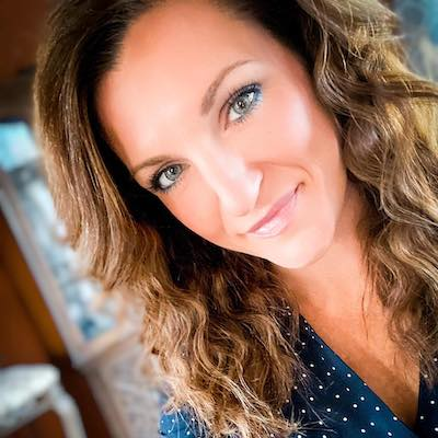 7493 – Live mics, cheesecake, Ladies on the Links with Christina Frye